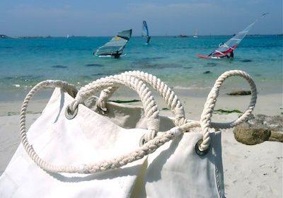 Relations de voyages borsa in vela riciclata