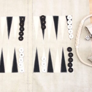 Backgammon in vela di cotone con pedine in cellulosa