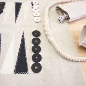 Bussolotti in vela, dadi in legno pedine di cellulosa e cerchio in corda di cotone con imbiombatura