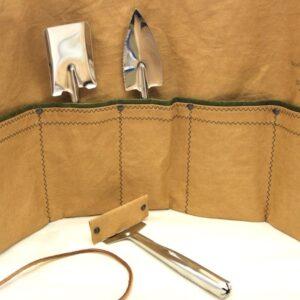 Cinque tasche + 3 utensili in acciaio