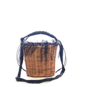 Cestino Ainu in midollino e tessuto di ortica